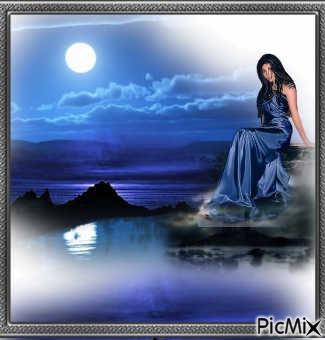 la lune sur la mer