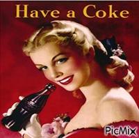 Femme en été avec soda -