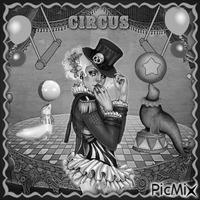 Clownmädchen in Schwarzweiß