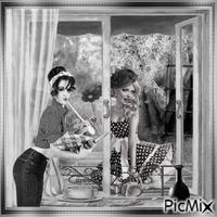 Frau im Fenster - Grautöne