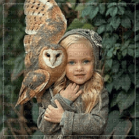 Criança e coruja fundo maga