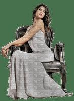 minou-woman-sitting-sitter-fåtölj