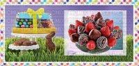 fraises enrobées de chocolat avec des vermicelles de bonbons pâques